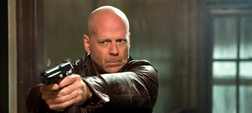 John McClane (Bruce Willis) in Live Free or Die Hard